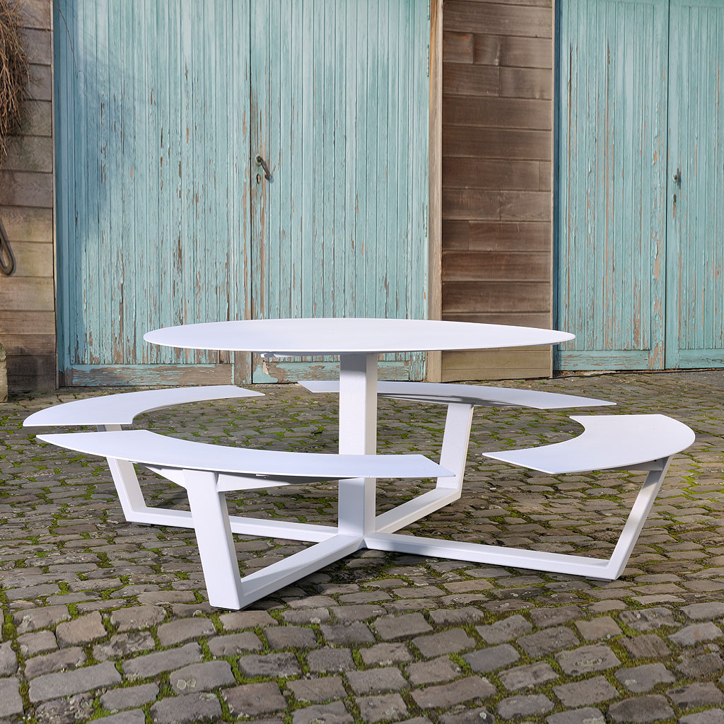 White La Grand Ronde CIRCULAR PICNIC TABLE Is A Round STEEL Picnic Table In HIGH QUALITY Picnic Set Materials By Cassecroute DESIGNER Picnic FURNITURE. Grande Ronde Modern Round Picnic Table And Benches Seats 8-12, And Is Available In Any RAL Colour Of Your Choice.