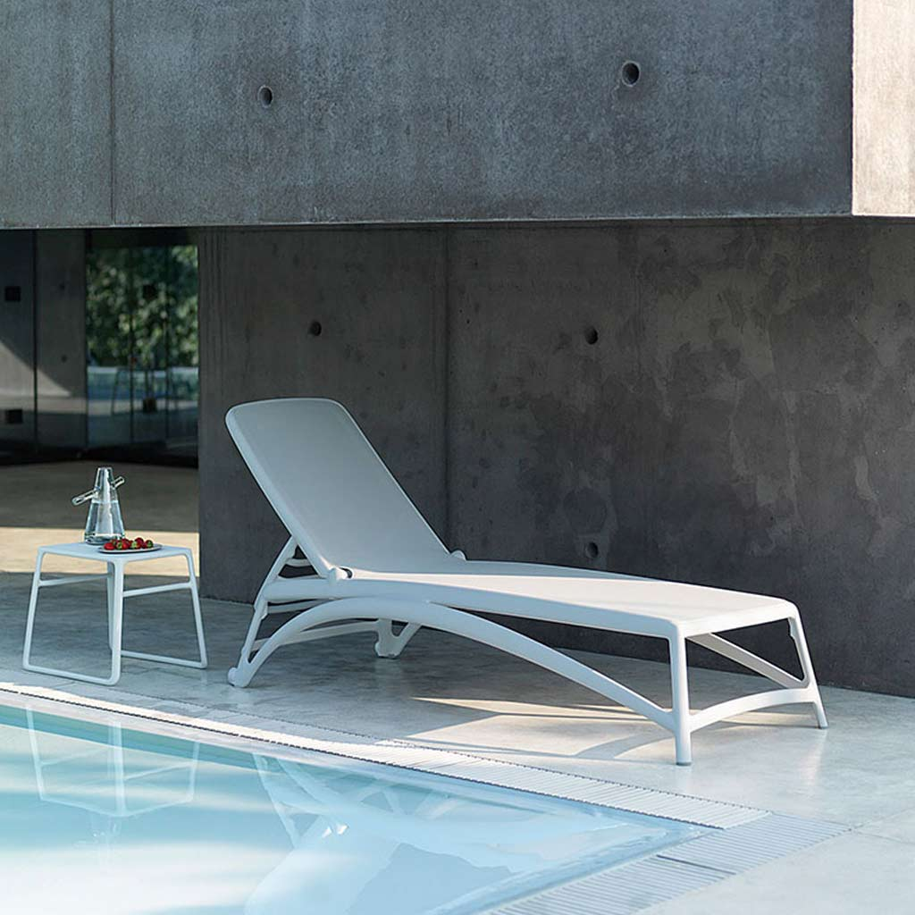 White POP Table & ATLANTICO Contract SUN LOUNGER Is A BUDGET Sun Lounger & MODERN Stacking Sun Bed By Nadi HIGH QUALITY Poolside FURNITURE Company, Italy.