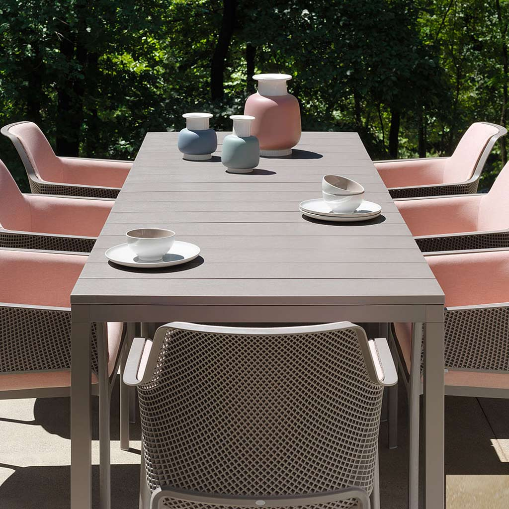 Net Carver Chairs & Rio EXTENDING Outdoor TABLE Is A MODERN Garden Dining Table In ALL-WEATHER Hospitality Furniture MATERIALS By Nardi Exterior Contract Furniture