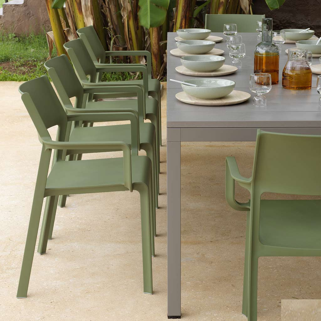 Trill Chairs & Rio EXTENDING Outdoor TABLE Is A MODERN Garden Dining Table In ALL-WEATHER Hospitality Furniture MATERIALS By Nardi Exterior Contract Furniture