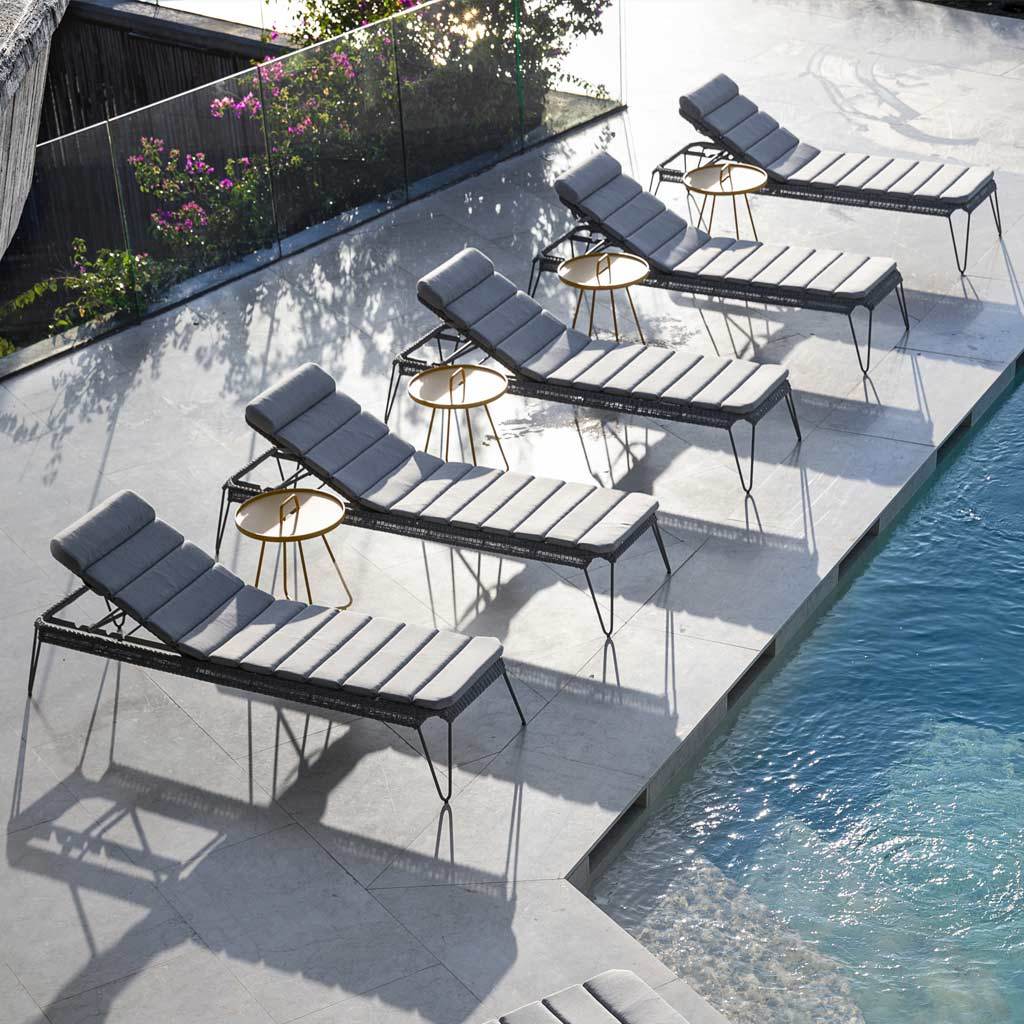 Breeze WOVEN SUN LOUNGER - MODERN Sun Bed / STACKING Lounger In HIGH QUALITY Garden Furniture MATERIALS By Cane-line LUXURY OUTDOOR FURNITURE